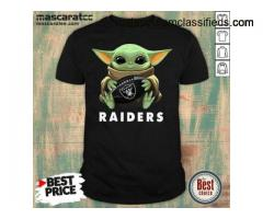 Awesome Baby Yoda Hug Oakland Raiders Shirt